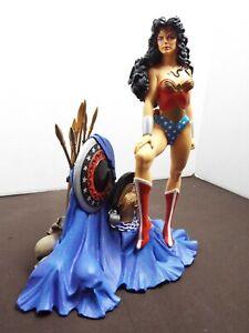 Wonder Woman Full Size Statue Cold-Cast Porcelain DC Direct