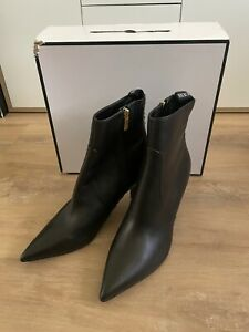 BRAND NEW IN BOX GUESS DEIRDRA BLACK BOOTS ANKLE BOOTS Size 10 RRP $260