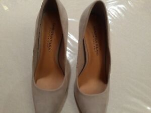 Christian Siriano Women's Pointed Toe Pump Shoes - Habit Grey Suede US Size 8.5