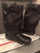 Prada Sport Stiefel Luxus Lackleder Gr. 34 Mädchen Leder schwarz neuw.
