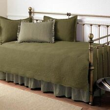 BEAUTIFUL 5 PIECE GREEN DAY BED TEXTURED DAYBED SET & SHAMS BEDSKIRT BRAND NEW!