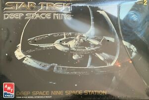 Star Trek Deep Space Nine Space Station 1/2500 Scale Model Kit - Factory Sealed