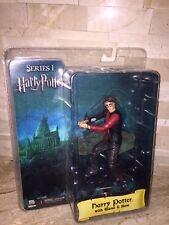 HARRY POTTER COLLECTIBLE ACTION FIGURE WITH WAND & BASE SERIES 1