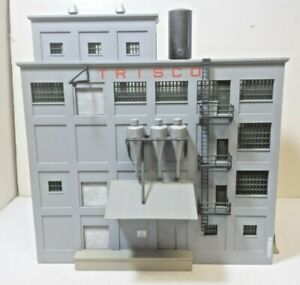 Walthers 933-3026 -- RED WING FLOUR MILL -- Owner Built Building HO Scale
