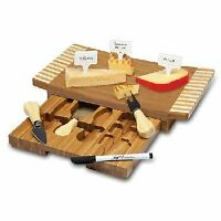 Concavo Cutting Board And Cheese Tools