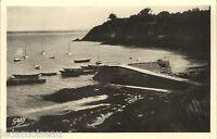Carte postale, SAINT JACUT de la MER, Le port, non écrite au revers.