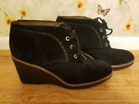 Naturalizer Kaitlyn N5 Comfort Black Suede Wedge Platform Ankle Boot Size 8.5M
