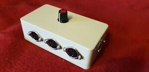 MIDI switcher MSWITTRIP Desktop, 3 way, tough abs box, high q switch
