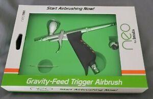 Iwata NEO TRN1 N5500 Gravity Feed Trigger Pistol Airbrush Set