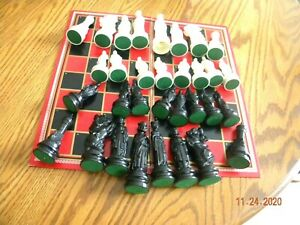 Chess Set Renaissance Chessman by E.S. Lowe Black and White 32 Pieces Complete N