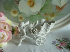 Ancien  biscuit blanc enfant ange campagne charette fleur