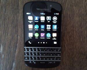 BlackBerry Q10 - 16GB - Black (Unlocked) + ON SALE !!!