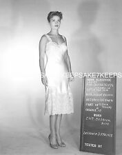 ACTRESS PATRICIA OWENS WEARING A PRETTY LACE SLIP 8  X 10  PHOTO A-PO