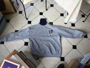 2000 World Series Baseball Sweatshirt NY Yankees Majestic size XL Made USA nice