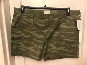 Caslon Womens Utility Shorts Zip Fly Front Slant Back Flap Patch Camo