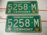 1985 85 Vermont VT License Plate 5258M Green Mountains Pair