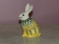 Polish Pottery Bunny Figurine!  UNIKAT Signature Exclusive Miss Daisy Pattern!