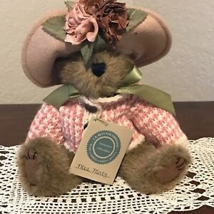 Boyd's Bear Mrs. Mertz.with Peach Sweater and Hat  EUC with Tag