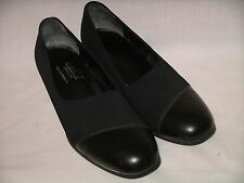 MUNRO AMERICAN Black Fabric & Leather Pumps Heels Shoes -  8M - EUC