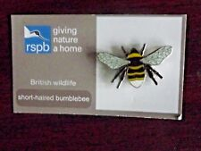 RSPB GNaH short-haired bumblebee Metal Pin Badge on New Card NOC