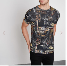 A Beautiful Black baroque print muscle fit T-shirt By River Island Size medium