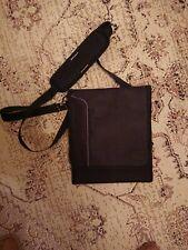 """USA Gear,12""""x10"""" Tablet /Laptop Black Bag, with shoulder strap VGC"""