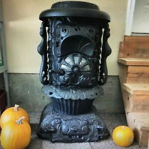 BEAUTIFUL ORNATE ANTIQUE FLORENCE CAST IRON WOOD COAL PARLOR POT BELLY STOVE