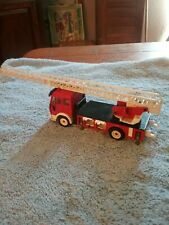 SIKU Fire Truck No.2819  Rare No Bucket on Ladder measures 6 inches long