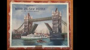 VINTAGE VICTORY WOODEN JIGSAW PUZZLE 'Tower Bridge', Complete Boxed