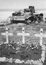 WWII Photo German Panzer Soldiers Graves  WW2 / 2105