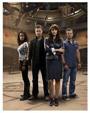 "** * SANCTUARY * ** ""AMANDA TAPPING"" & Cast 8 x 10 Glossy Print"