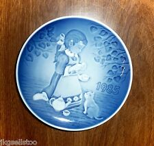 BING & GRONDAHL - 1985 CHILDRENS DAY PLATE *THE MAGICAL TEA PARTY* w/GIRL/KITTEN