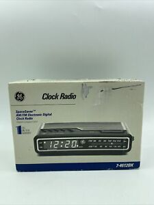 New Vintage GE General Electric SpaceSaver Digital Alarm Clock Radio 7-4612BK
