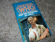 DOCTOR WHO and the VISITATION UK vintage paperback book Target near mint NOS
