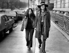 John Lennon and Yoko Ono UNSIGNED photograph - L2319 - In 1973