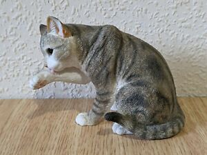 Country Artists Tabby Cat Washing Figurine