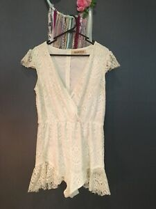 REVERSE Ladies Beautiful Cream Lace Plunging Neck Playsuit Romper (Size M)