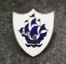 BLUE PETER WHITE ENAMEL PIN BADGE | BBC KIDS CHILDREN TV FANCY DRESS NOVELTY