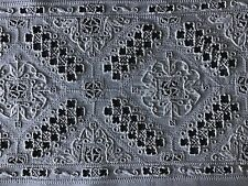 STUNNING ANTIQUE LINEN TABLE CENTRE/TRAY CLOTH~ HAND EMBROIDERED LEFKARA LACE
