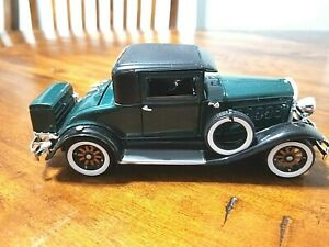 1930 Green Hudson Coupe  Diecast Signature  1:32 Scale