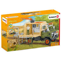 Schleich Wild Life Animal Rescue Large Truck with Figures & Accessories - 42475