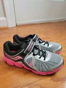 Saucony Athletic shoes womens girls Pink Silver Glitter Size 6