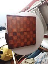 Jeu d'échecs ancien pliable en bois.