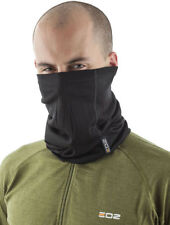 Cagoules, masques et tubes pour casques et vêtements pour véhicule