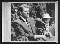 Vtg AP Wire Photo President Ronald Reagan News Conference Speech In Italy 1987