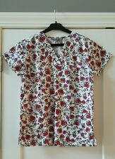 Bannock Court V-Neck UNIFORM SCRUBS Scrub Shirt Top HEARTS  XS  NWT nurse doctor