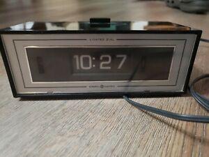 Vintage General Electric Flip Number Alarm Clock Lighted Dial GE Model 492E