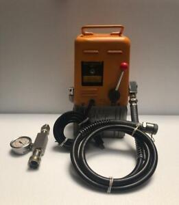 IZUMI 14E-F PORTABLE ELECTRIC HYDRAULIC PUMP/ POWER PACK 100V 700 BAR