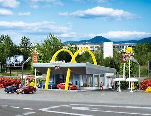 N Scale Buildings - 47765 - McDonald`s fast food restaurant  - Kit