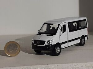 1/43  Mercedes Benz   Sprinter   Mini Bus   Traveliner